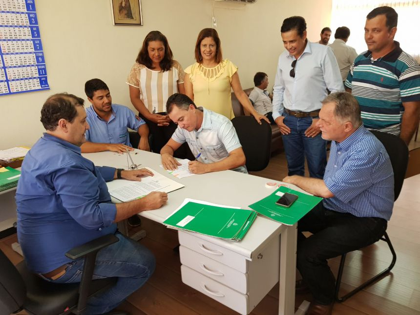 Secretaria de Agricultura destina R$ 20 mil do Seiaa para manutenção de estradas rurais de Mariápolis