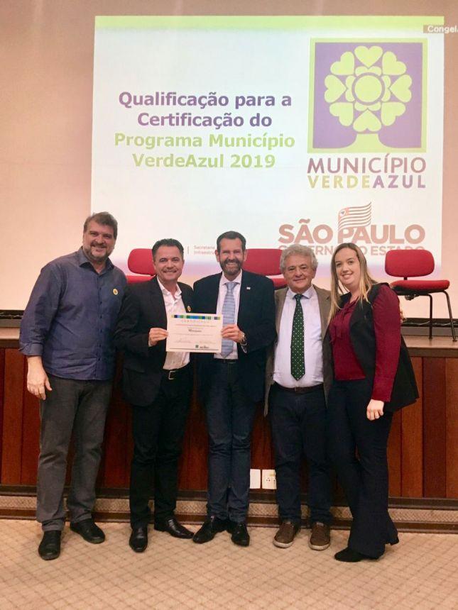 Mariápolis recebe certificado durante cerimônia de qualificação do Programa Município VerdeAzul