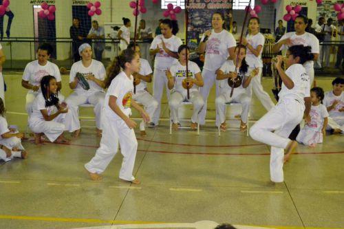 Alunas durante apresentações no I Festival Feminino de Capoeira