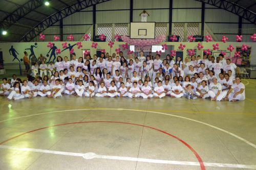 Participantes de Mariápolis e região presentes no festival em Inúbia Paulista
