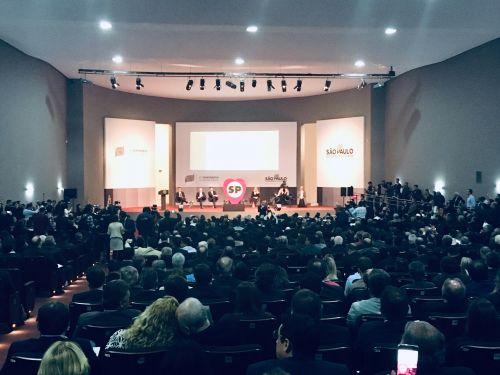 Semin�rio teve a presen�a maci�a dos prefeitos do Estado de S�o Paulo