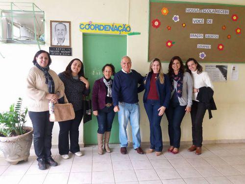 Equipe da Netbil com autoridades do munic�pio