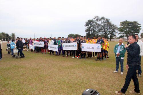 Banda Marcial de Mari�polis fez abertura do evento