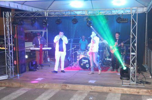 Matheus & Lorenzo e Banda abrilhantaram o show da virada na cidade