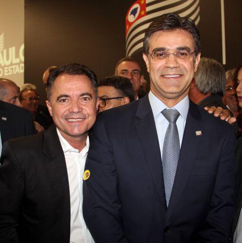 Prefeito Val Dantas e o vice-governador Rodrigo Garcia, no evento em S�o Paulo