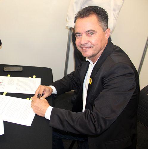 Prefeito Val Dantas, na capital paulista durante assinatura do conv�nio