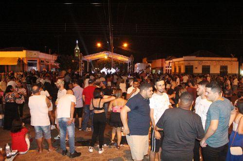 P�blico lotou avenida durante shows na cidade