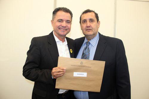 Prefeito Val Dantas ao lado do Marcelo (assessor do deputado Mauro Bragato)