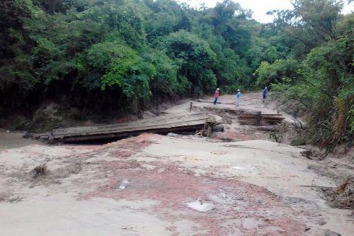 Ponte foi arrancada com as chuvas