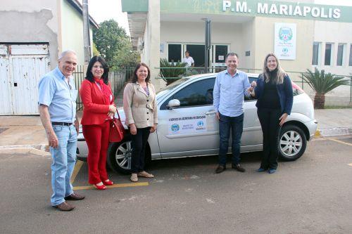 Diretores Alaor e Sueli, coordenadora Lúcia, prefeito Val Dantas e a secretária de Educação Ariele