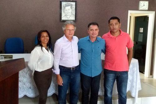 Vereadora Cidinha, deputado Vanderlei Macris, prefeito Val Dantas e o vereador Maciel Lourenço