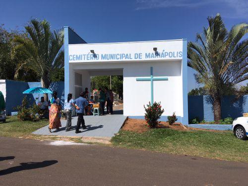 Cemitério recebeu cuidados para o Dia de Finados; prefeitura realizou pinturas e manutenção geral