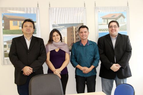Assessor de gabinete Cocão, analista jurídico Daniela, prefeito Val Dantas e o analista jurídico Thiago