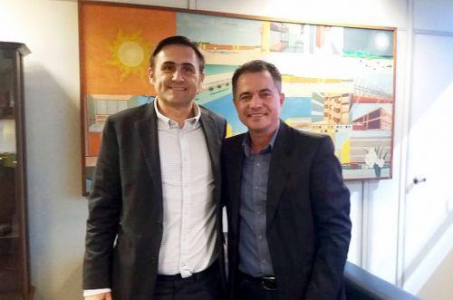 Dr. Humberto Schimidt - Diretor presidente da CDHU e o prefeito Val Dantas