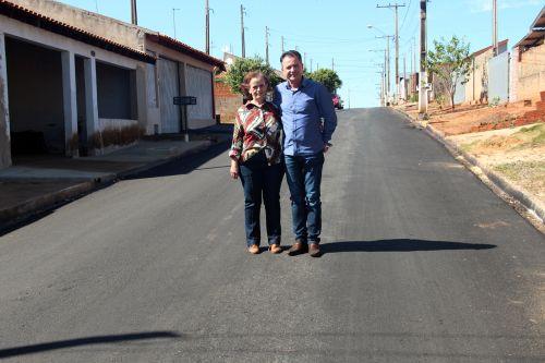 Vice-prefeita Herminia e o prefeito Val Dantas
