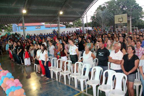 Autoridades presentes na Noite Sociocultural em Mariápolis
