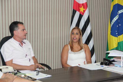 Prefeito Val Dantas e a deputada estadual Clélia Gomes, em Mariápolis