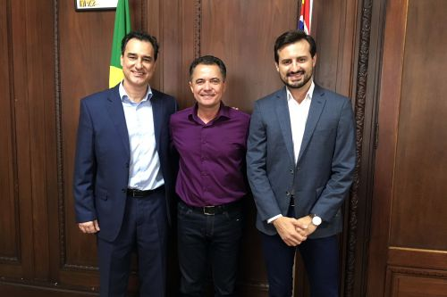 Secretário Adjunto de Esportes Silvio Garcia, prefeito Val Dantas e o assessor Roger, na Secretaria de Esportes