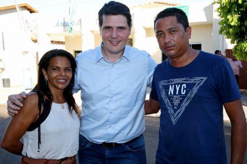 Deputado Cau� Macris com os vereadores Cidinha e Maciel Louren�o