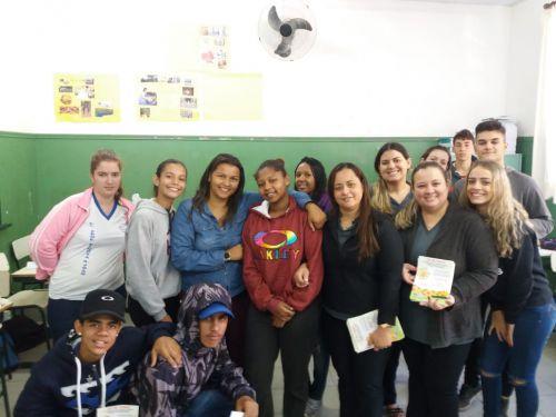 Conselheiras com alunos da Escola Elmoza Antonio Jo�o