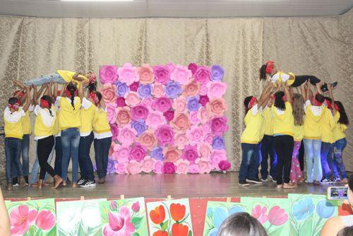 Mães foram homenageadas pelos alunos do Projeto Raio de Sol
