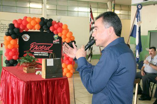 Proerd realiza cerimônia de formatura dos alunos da Escola Nelson Magnani