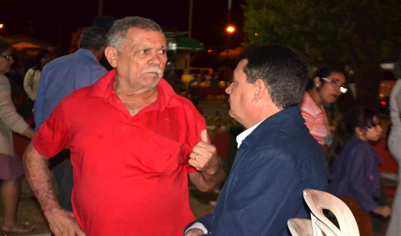 PREFEITO CÁSSIO GUSMÃO PARTICIPA DO QUINTO DIA DE NOVENAS