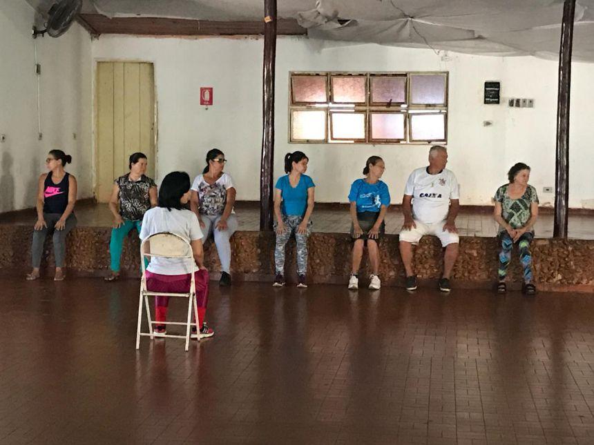 GRUPO COLUNA RETORNA AS ATIVIDADES