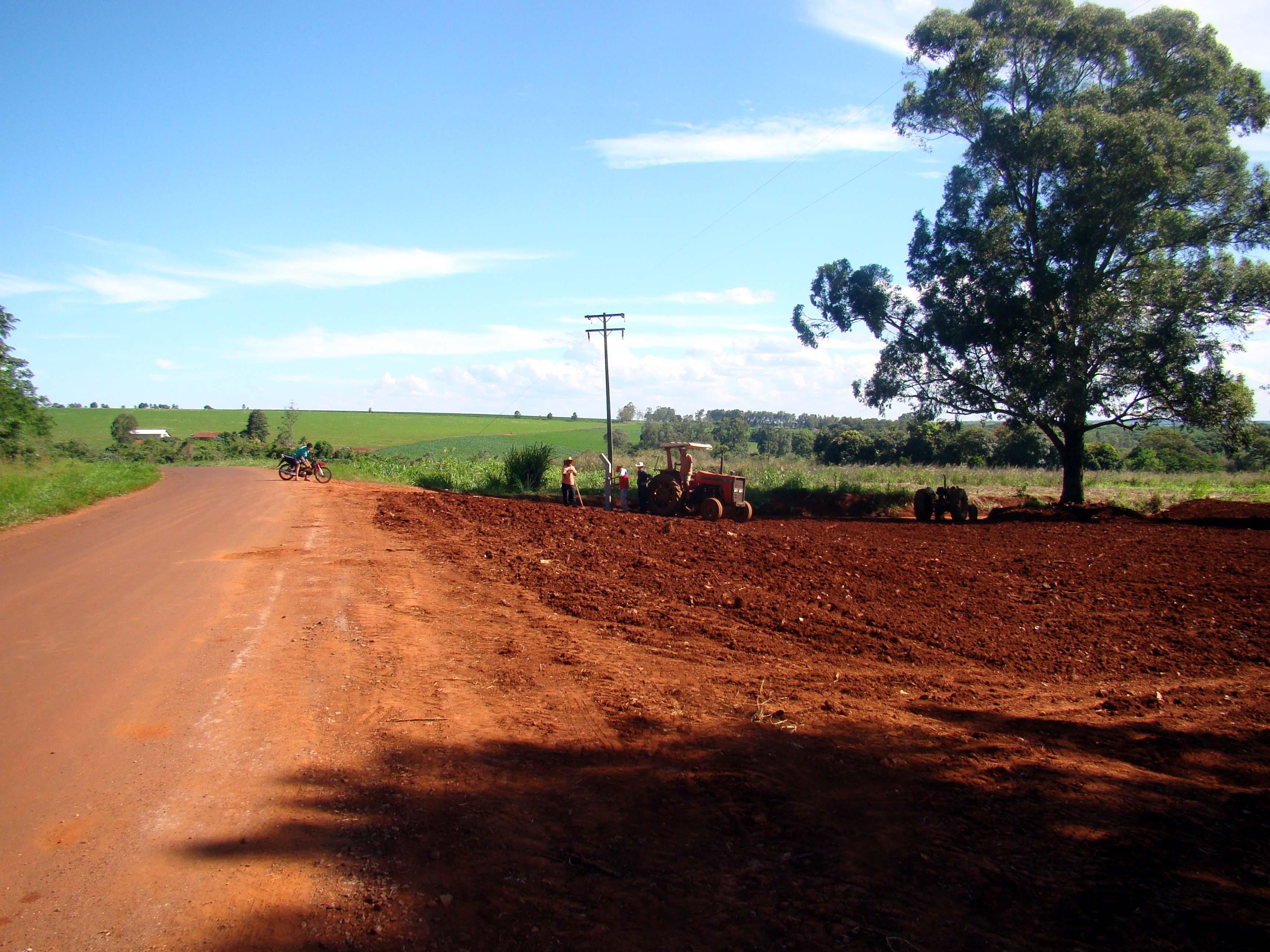 A recupera��o das estradas rurais � prioridade da administra��o