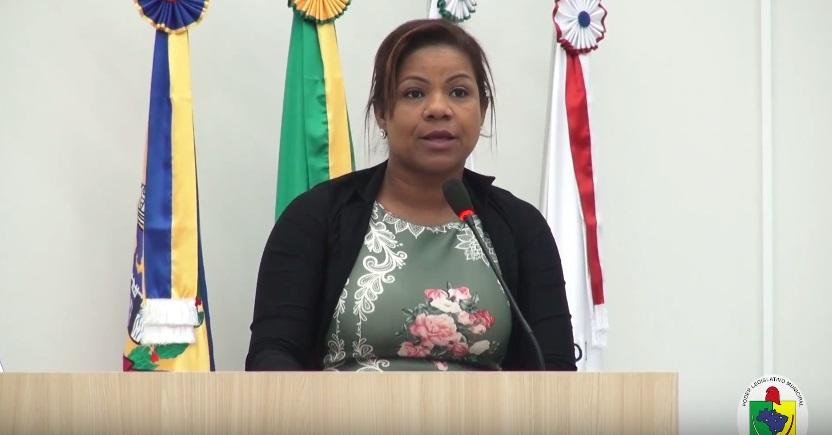 VEREADORA FALA SOBRE A SITUAÇÃO DO GINÁSIO DE ESPORTES ROBSON REIS