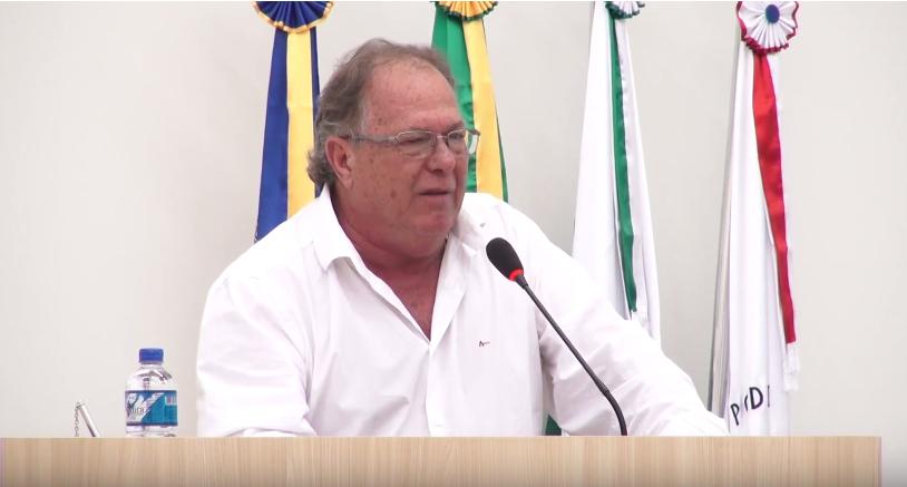 VEREADOR COBRA A FINALIZAÇÃO DA OBRA DA PRAÇA SÃO FRANCISCO