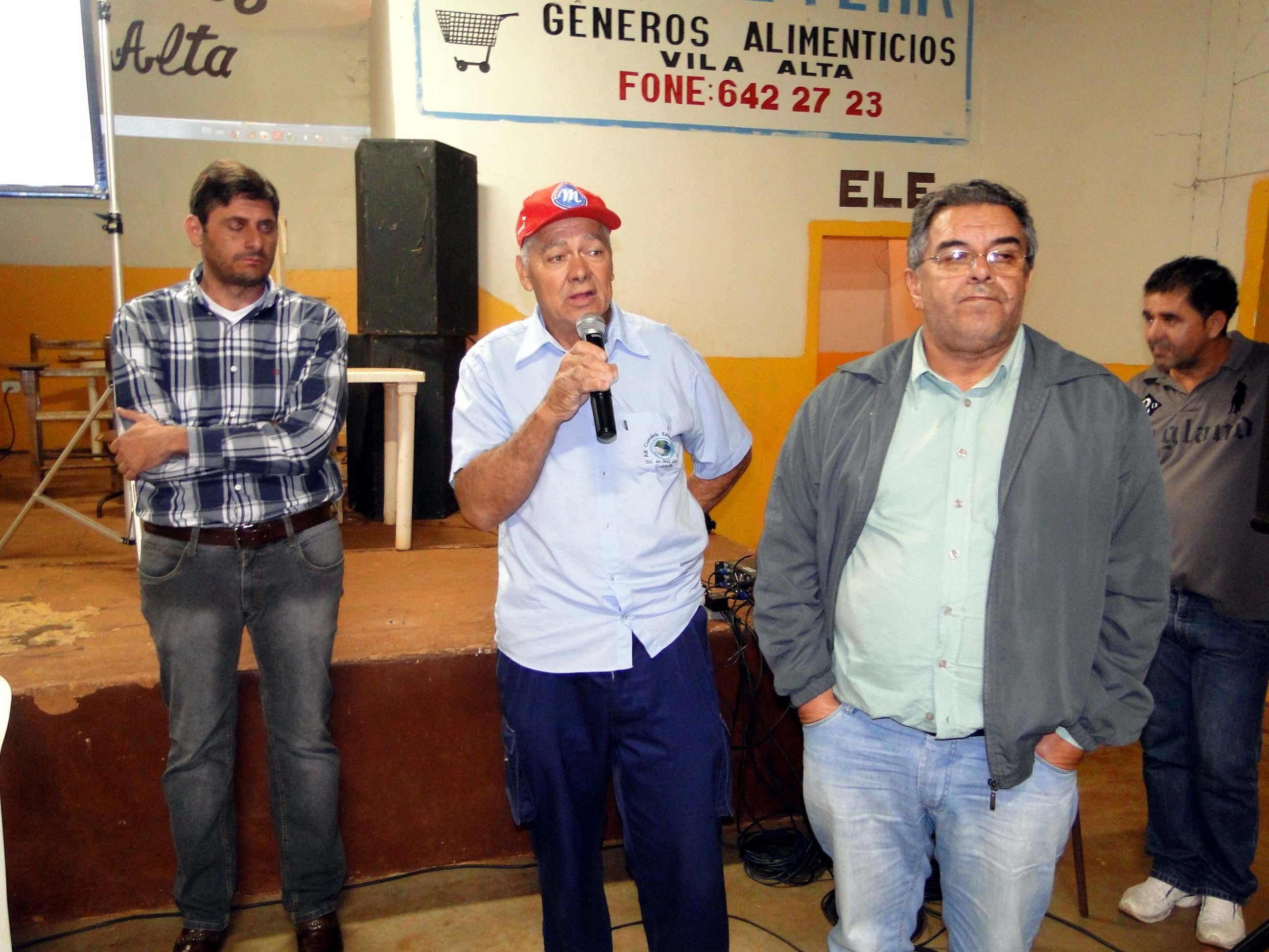 Leandro Danelon e lideranças participam