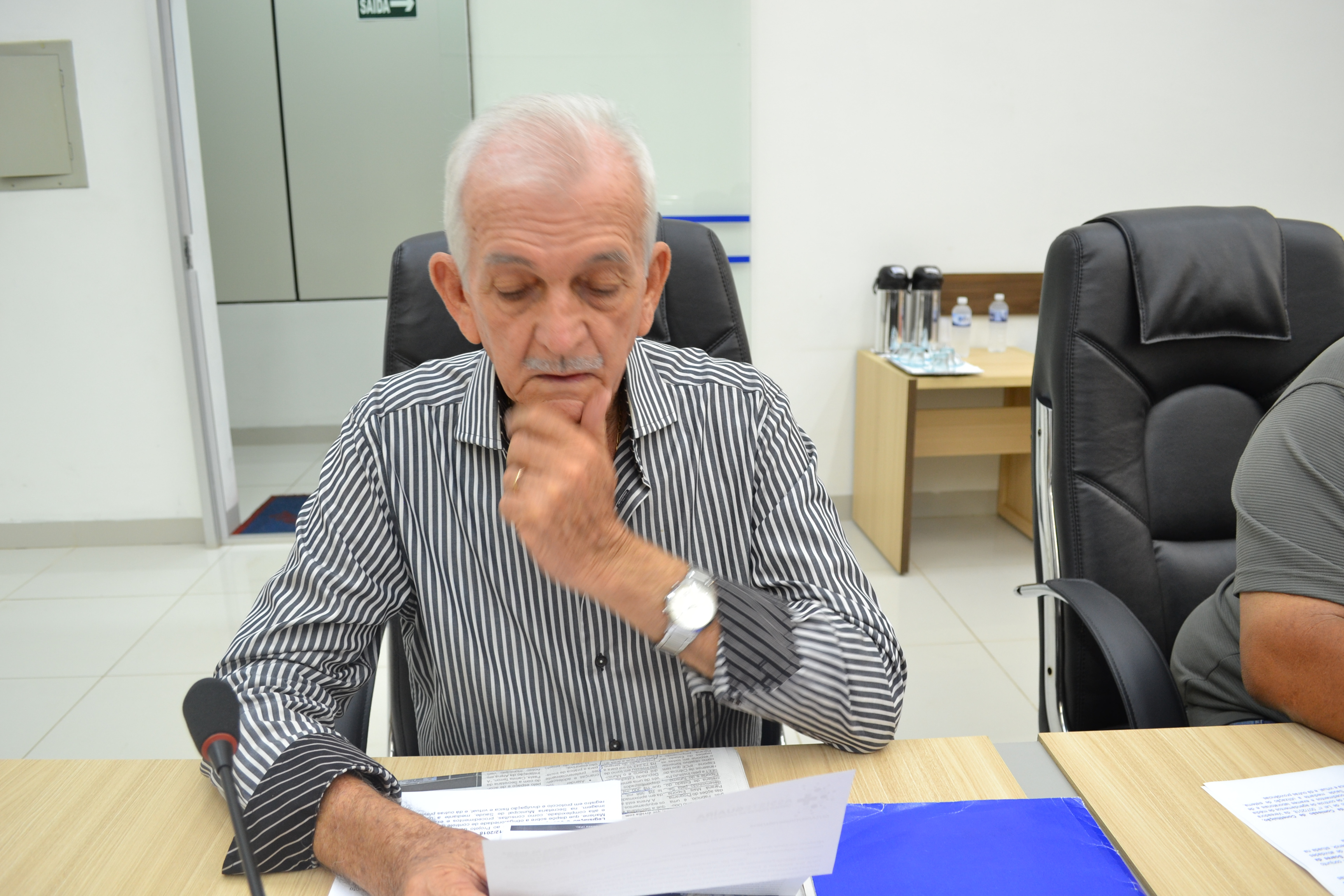 Osvaldino quer explicações sobre o valor gasto na preparação do terreno da arena multiuso