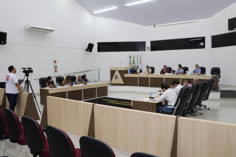 CÂMARA DE GUAÍRA APROVA EMENDA DE REDUÇÃO SALARIAL DOS VEREADORES EM 50%