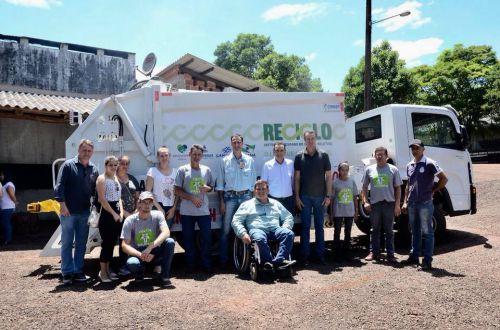 Entrega do caminhão para coleta de lixo reciclável!
