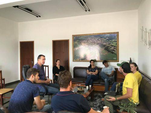 """Visita dos integrantes do Projeto """"Onças do Iguaçu"""""""