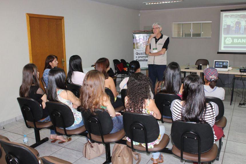 """Curso de """"Comunicação e Técnicas de Apresentação"""""""