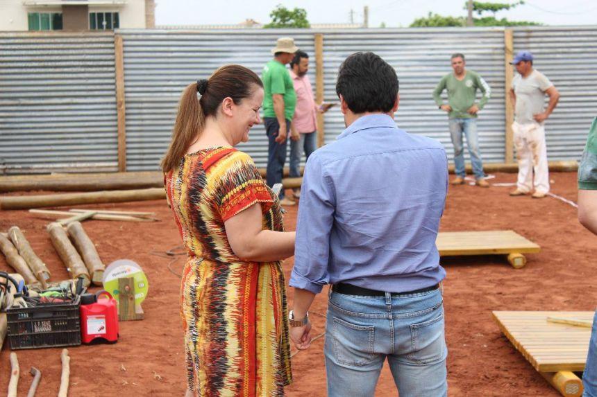 Início das obras de instalação do parque infantil na Praça da Bíblia