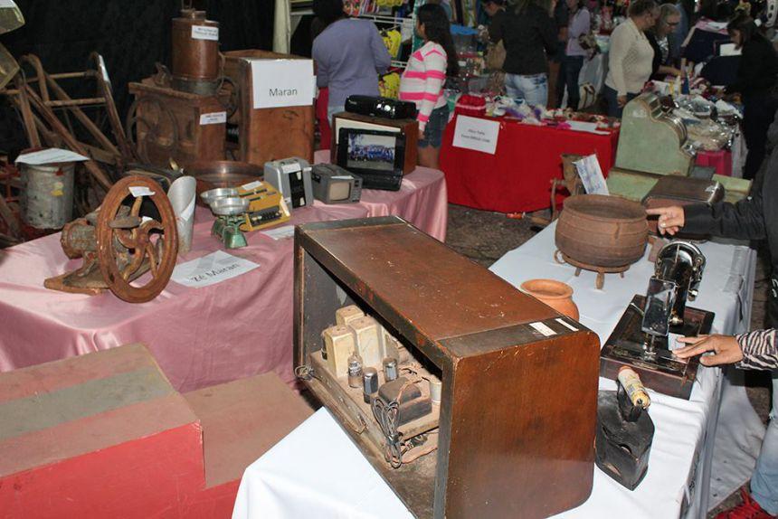 Feira de Artes e Artesanatos, de Antiguidades e do Agricultor