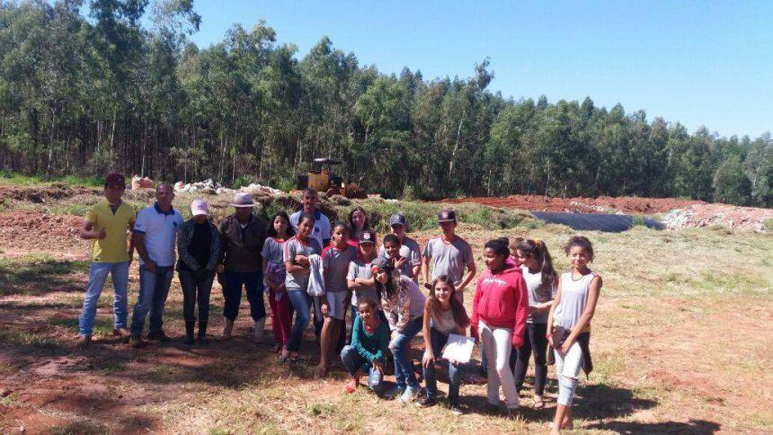 Alunos da Escola Estadual do Campo de Guaiporã visitam  Aterro Municipal