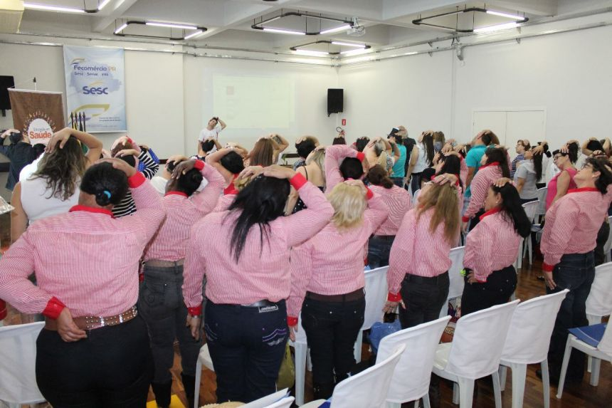 O grupo Feliz Idade de Cafezal do Sul e o grupo Alegria de Viver de Perobal participaram do 12º Seminário Saber Envelhecer