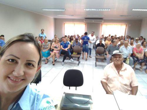 Reunião do Hiperdia com orientação da Educadora Física Jaqueline