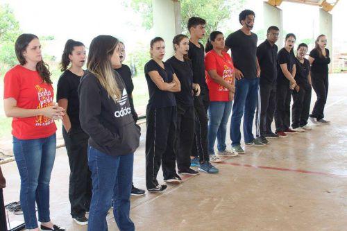 Grupo JOCUM realiza teatro sobre a conscientização contra o uso de drogas, suicídio e pedofilia.