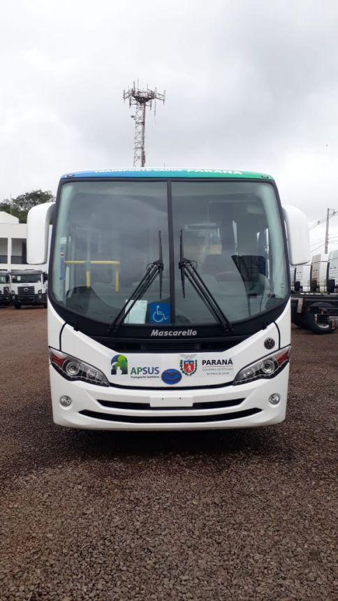 Município de Tapira adquire ônibus para servir a Secretaria Municipal de Saúde