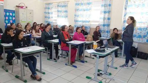 Encontro com professores da rede municipal de ensino