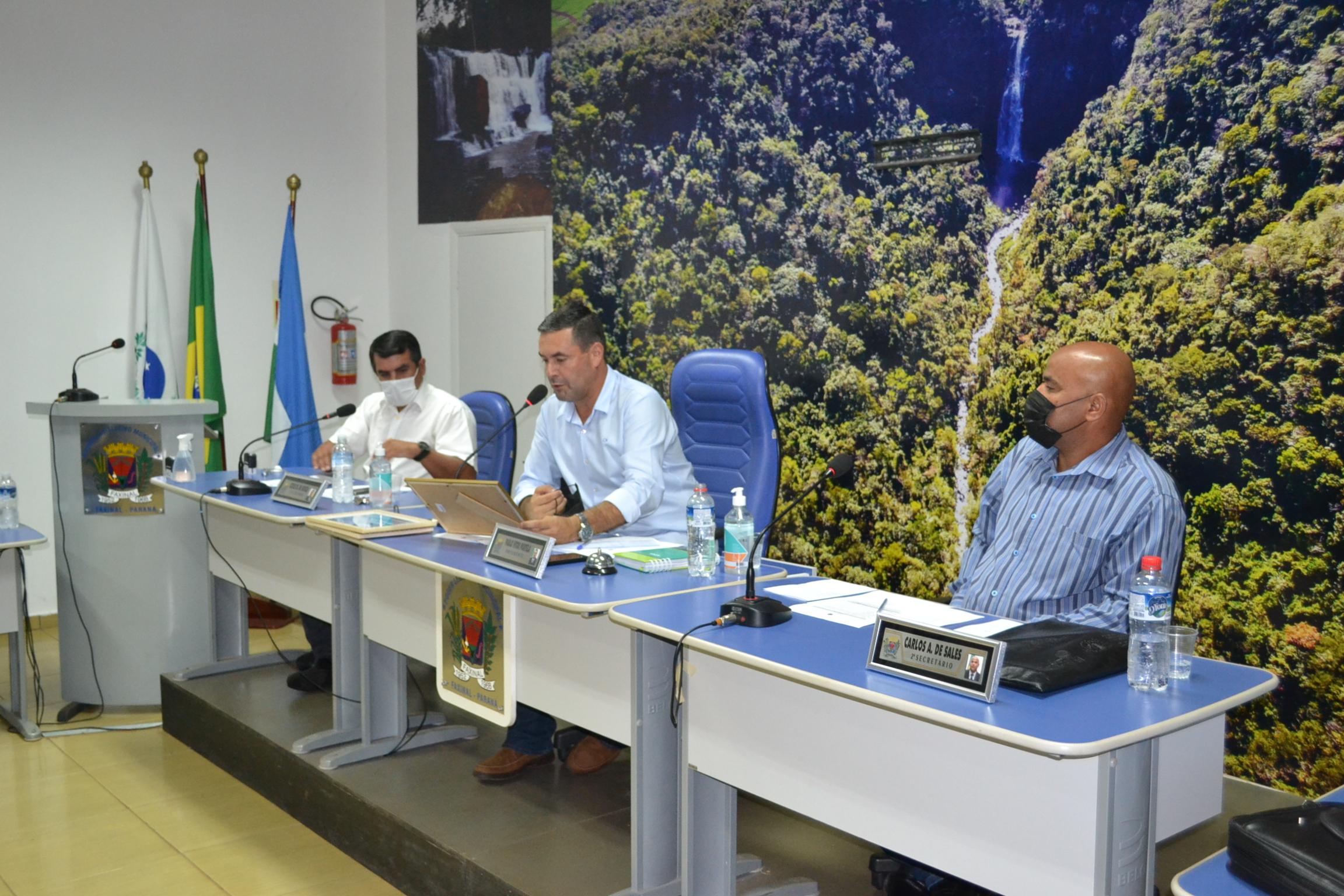 Integrantes da Mesa Diretora, presidida por Paulinho Portela