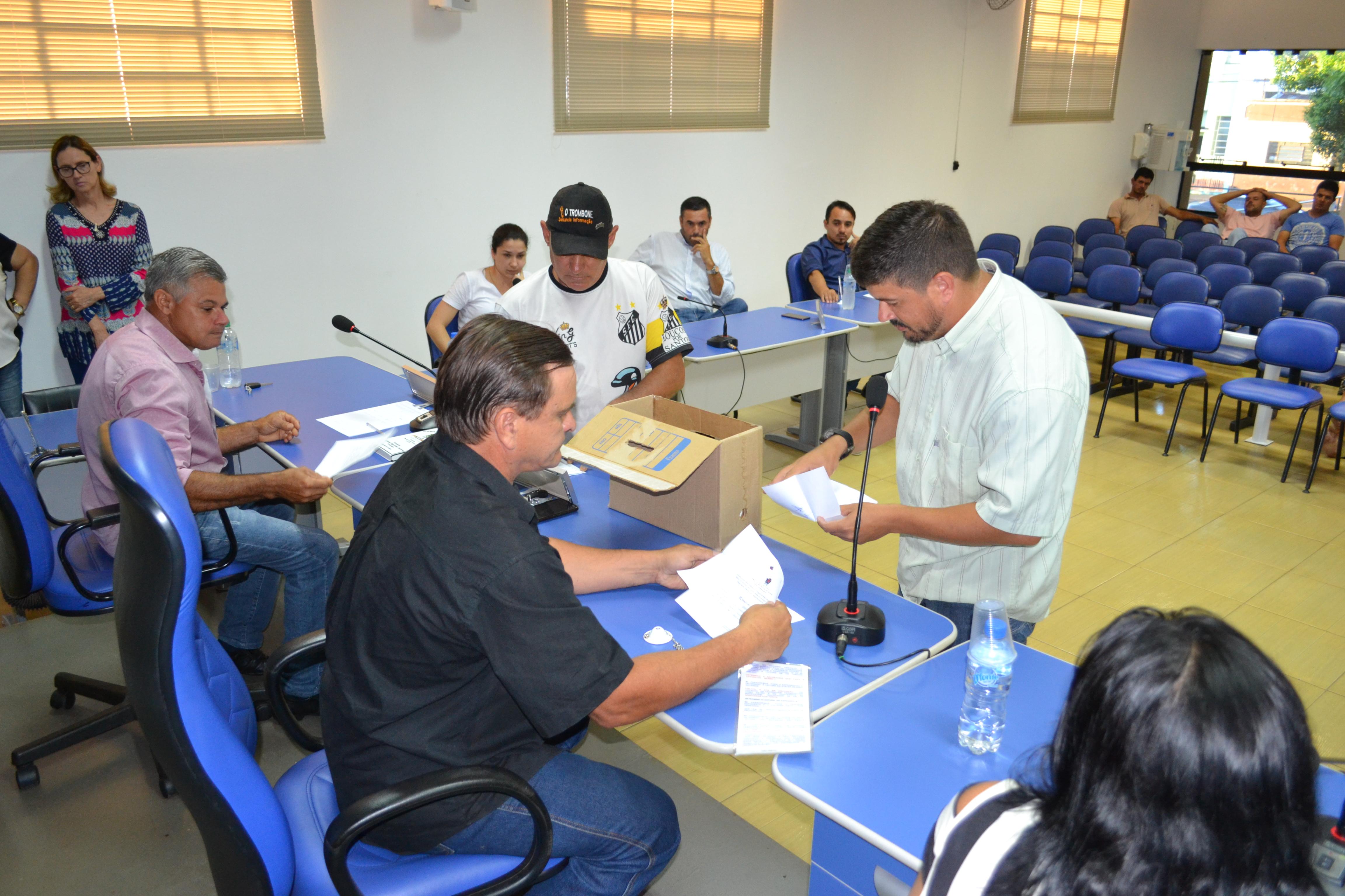 Paulinho Portela é eleito novo presidente da Câmara