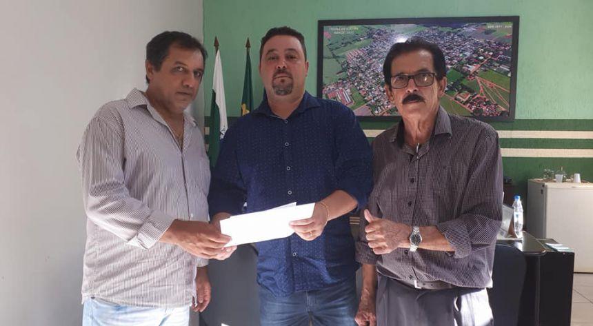 """""""Lau assessor do Secretário de Saúde Estadual o Sr Michele Caputo Neto visita Itaúna do Sul"""""""