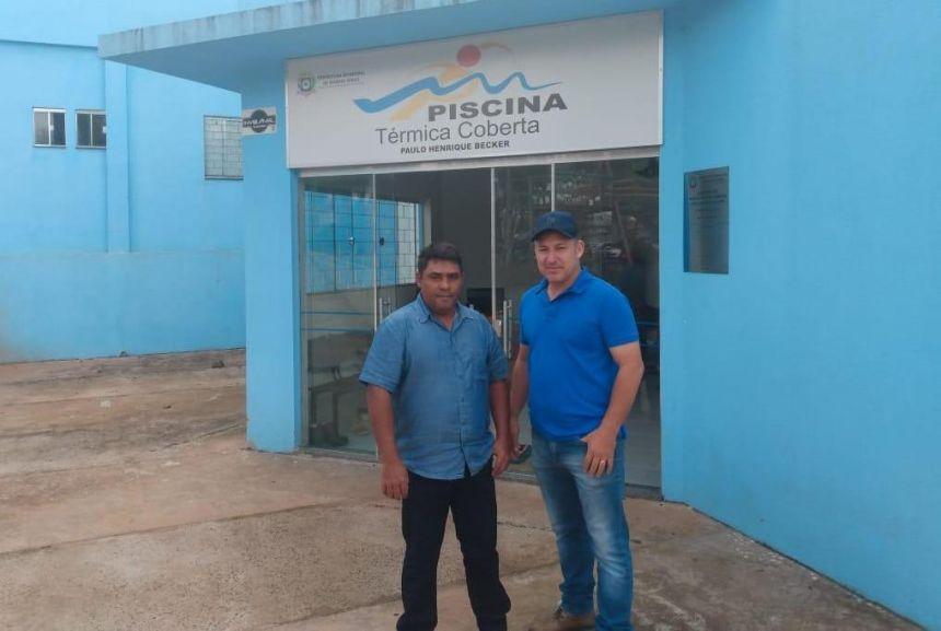 Vereadores buscam informações para tentar implantação de piscina térmica coberta no município.