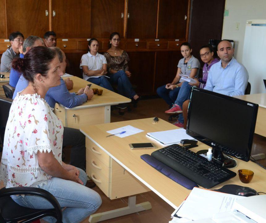 Vereadores se reúnem com Secretaria Municipal de Saúde.